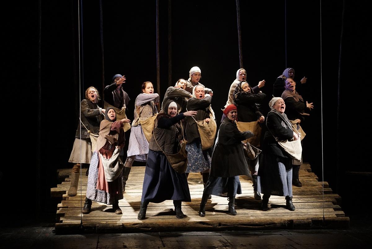 Спектакль «Братья и сёстры»  МДТ. Театр Европы Лев Додин фото