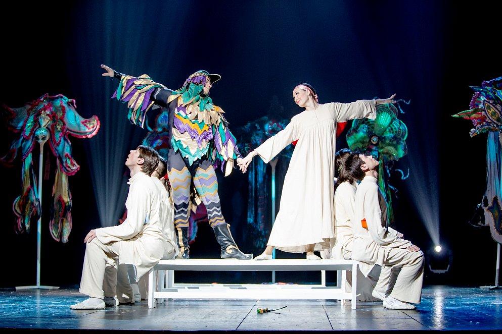 Театр Зазеркалье фото