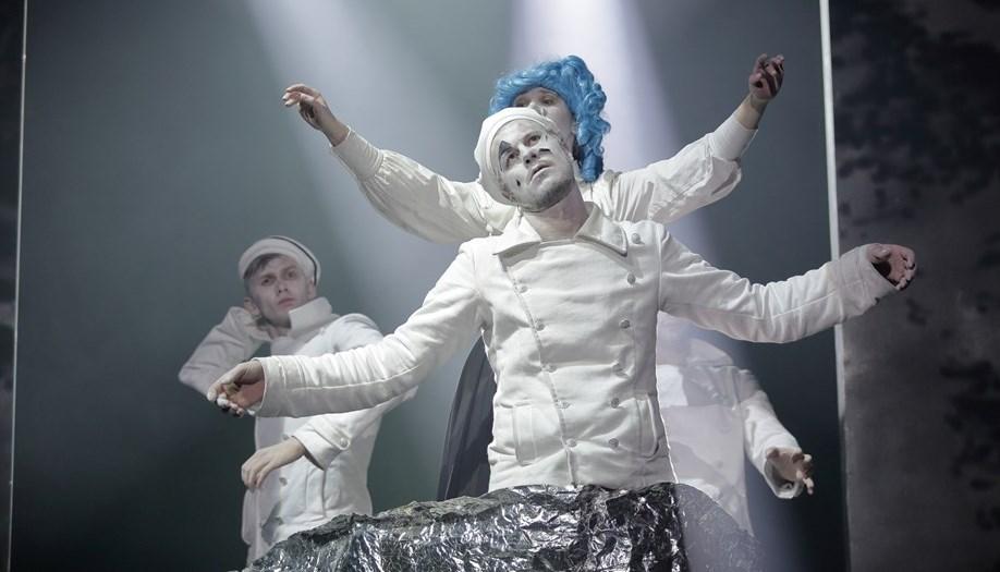 спектакль «Оптимистическая трагедия» в Александринском театре фото